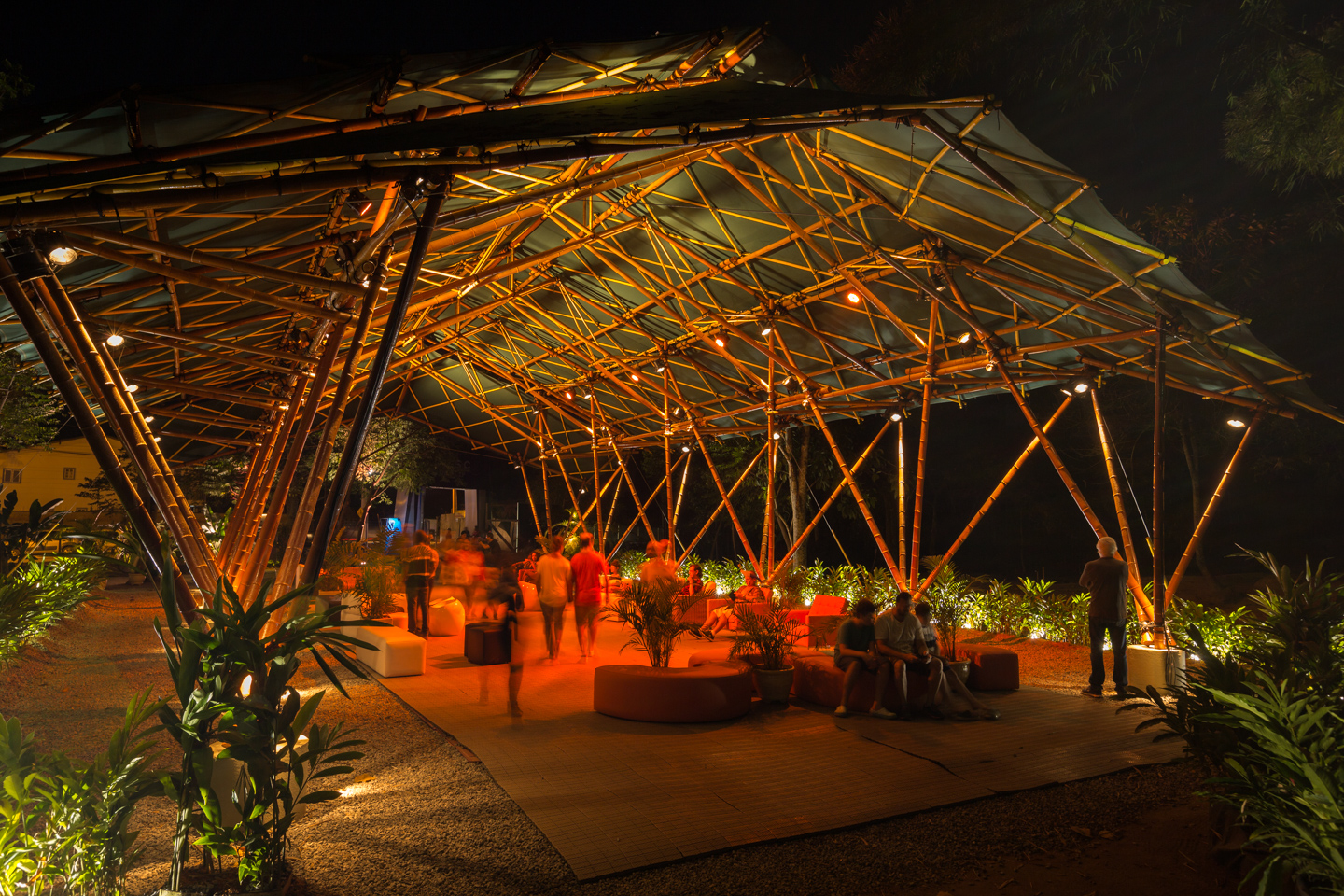 Deployable-bamboo-space-structure-pavilion-Bambutec-3.jpg