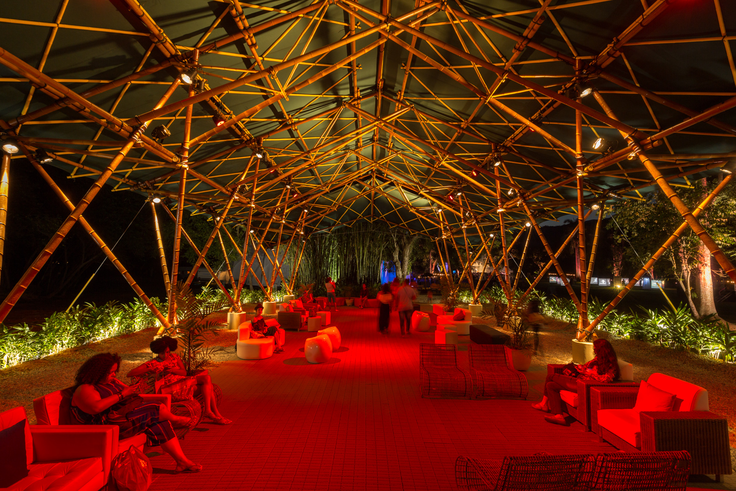 Deployable-bamboo-space-structure-pavilion-Bambutec-4.jpg