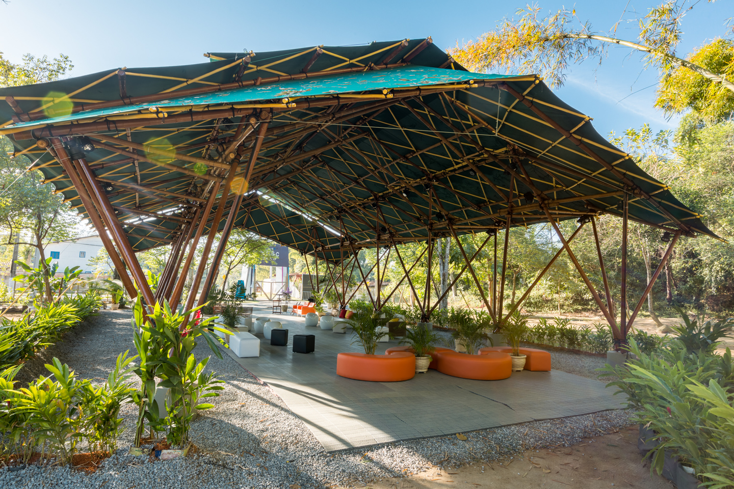 Deployable-bamboo-space-structure-pavilion-Bambutec-8.jpg